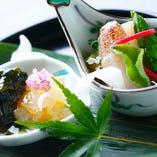 京料理の伝統、旬の素材の持つ本物の味を追求しています