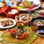 目でも舌でも楽しめる、四季折々の会席料理をお届けします。