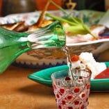 兵庫県をはじめ、全国の蔵元より厳選した日本酒を多彩にご用意しております。
