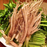 三浦農園さんの春セリと黒豚ベーコンのサラダ