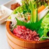 桜肉と県産野菜たち ウマいてウマいて