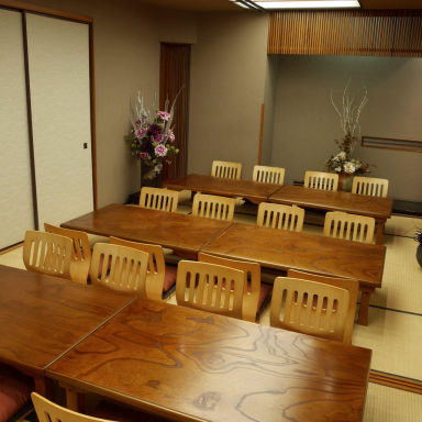 花殿 ka-den 京橋京阪モール 近江牛一頭買い精肉卸直営店 店内の画像