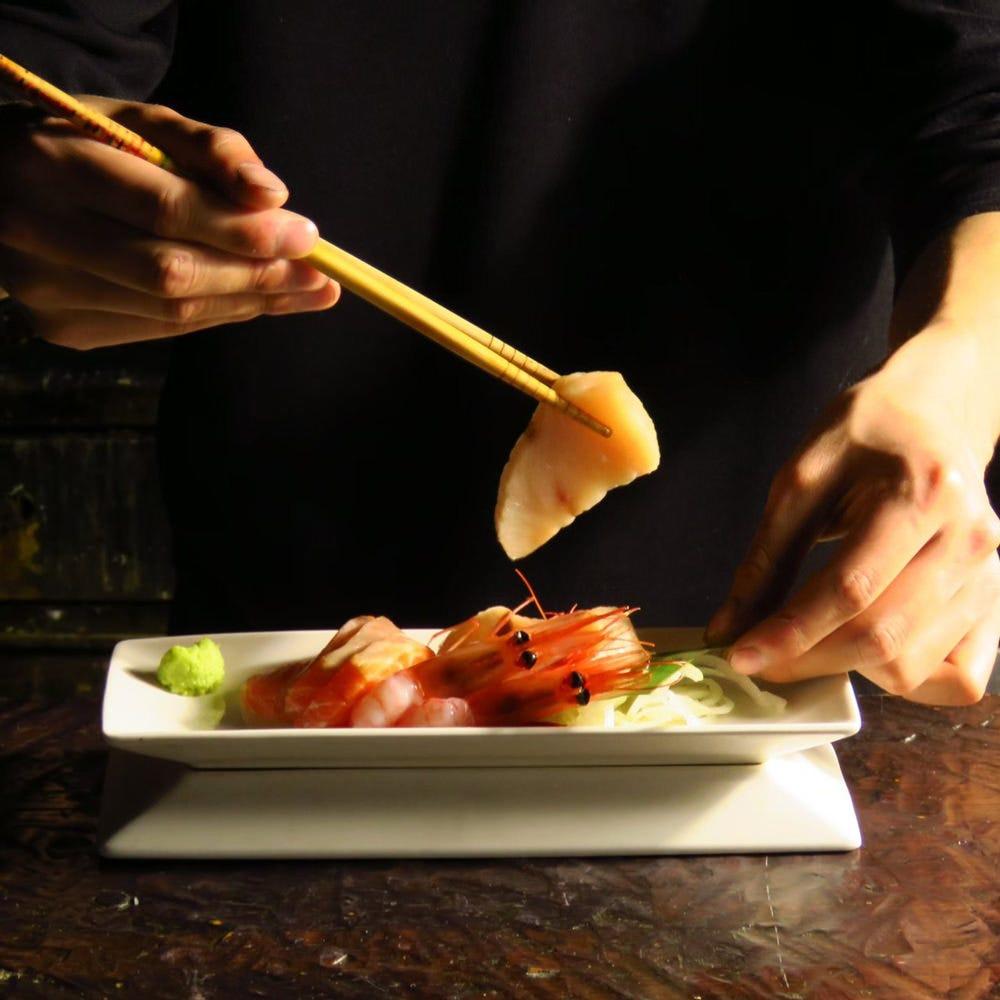 鮮度抜群の産直鮮魚を確かな技で捌いてお客様の元へお届けします