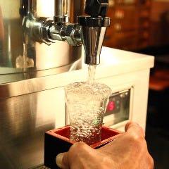 専用タンクで蔵直送!火入れも加水もしていない搾ったままの生原酒をお召し上がり下さい。