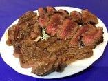 裏メニューの牛ステーキ