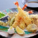 《定番もご用意》 おつまみや天ぷら、サラダ、〆のご飯ものなど
