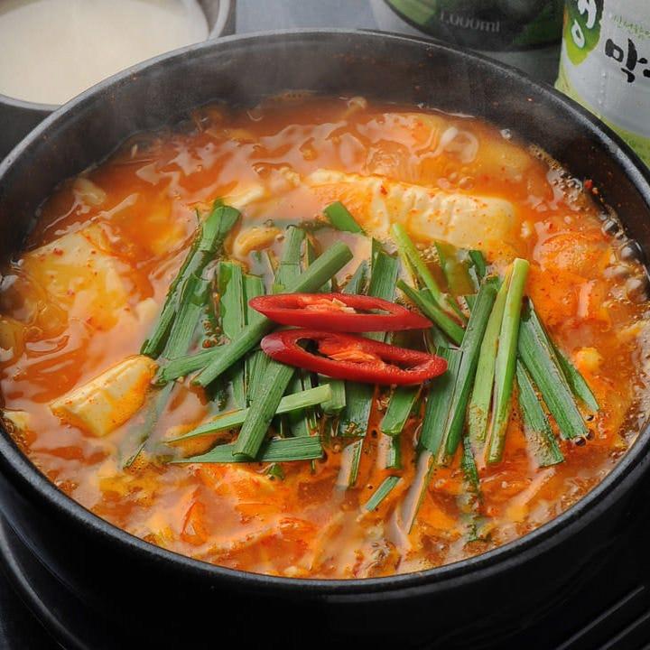 冬の宴会に一鍋を!豊富な鍋料理!