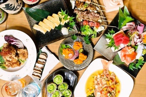 新鮮な食材を利用した多彩な料理をご用意しお待ちしております。