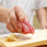 寛楽寿司の職人が握る本格的な寿司をご賞味あれ