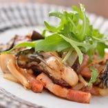 広島県産牡蠣のガーリックバターソテー