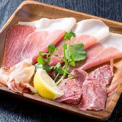肉バル&ステーキ 大和 金沢諸江店