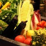 契約農家から仕入れる有機野菜も当店の料理の主役。旬の素材を駆使した軽やかなイタリアンはおいしくてヘルシー。