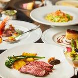 人気No.1!産地直送鮮魚や有機野菜など旬の食材を駆使したイタリアンと、炭火で豪快に焼き上げる肉料理など7品「季節の5,000円コース」。
