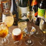「3H飲み放題付8,000円コース」では、季節の日本酒20種以上に加え、生ビールやワイン、カクテルなど全50種以上が飲み放題!