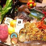 国内の産地から届く牡蠣や函館直送の朝獲れ鮮魚、契約農家の有機野菜など、吟味した素材が奏でる絶品イタリアンをご賞味ください。