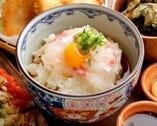 TVで紹介された「宇和島の鯛めし」 刺身をタレと絡めて食べます