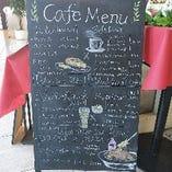 カフェメニューもドルチェからおつまみまで♪