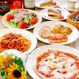 ランチはパスタ・ピザ・肉料理のご用意。1210円(税込)~