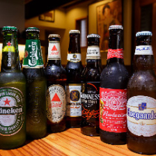 海外のボトルビールがズラリ!