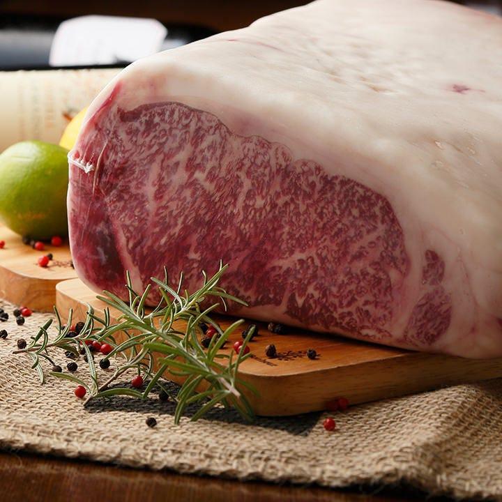 自慢のステーキなどお肉を心ゆくまで堪能!コースは4,500円~