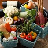 【三浦野菜】温暖な気候で露地栽培された野菜は、いずれも味が濃く、個性的。なかなか出回らない三浦の宝です