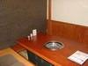 【半個室席】 しきりを使った半個室でのお席のご案内もできます。