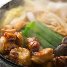 【近江黒鶏のすき焼き】まずは塩で。二段階で楽しむすき焼き 玉子かけごはんで〆まで大満足な6品