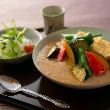 季節野菜たっぷりのカツカレー