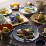 鮮度と旨みにこだわり厳選した近江黒鶏や季節野菜の絶品料理をご堪能ください