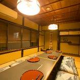 2階は最大14名様までお集まり可能な全面お座敷の空間。8名様以上は完全個室としてご利用いただけます