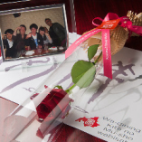 【クーポン利用】お祝い・記念日・宴会の主役の方に! プチデザートとフォトフレーム付記念写真プレゼント