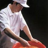 博多の食文化に携わり80余年。「博多鳴海屋の明太子」【福岡市博多区】
