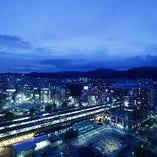山側の神戸駅周辺の夜景