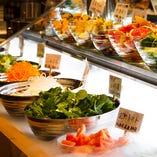 新鮮野菜のサラダバイキング!