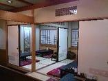広々としたお座敷席も、襖で仕切り、個室としてご利用頂ける様になりました。
