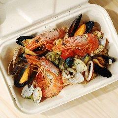 【一番人気!】魚介たっぷりパエリア