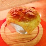大山鶏とポルチーニ香るパイ包み