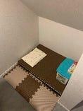 オムツ替えスペース(授乳室としての扉はございませんが、壁で囲まれているのと他のお客様が入らないスペースの為、授乳室としても???)     客席①の写真の、のれんの中に入った場所になります。