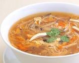 酸味と辛味が絶妙にマッチした サンラータン麺