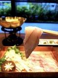 うな重をはじめ鰻しゃぶしゃぶや鰻の土鍋ご飯など逸品をご用意