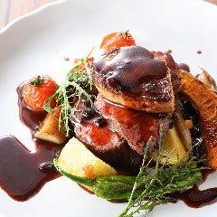 牛フィレ肉フォアグラのロッシーニ風トリュフソースで