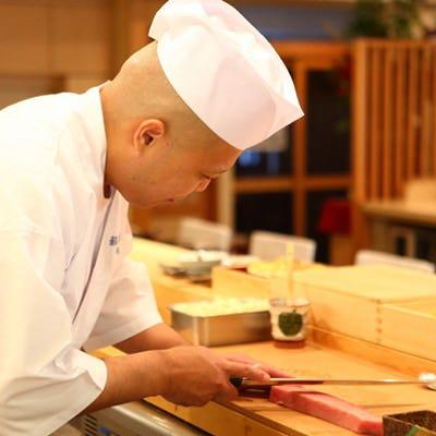 磨き上げた職人技が光る極上のお料理で特別なひと時を演出します