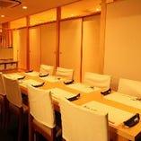 【ご宴会】 開放的なテーブル席は最大12名様まで対応可能です