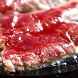 馬肉など自慢の肉料理がずらり。