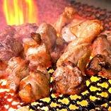 絶品の鶏もも炭火焼