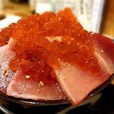 【季節の海鮮丼】めじまぐろ丼
