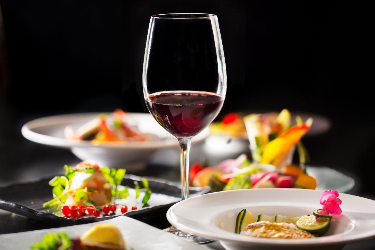 ■ソムリエ厳選のワインリスト