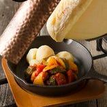 目の前で流れるチーズのナイアガラ☆