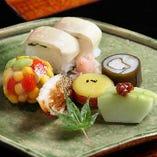 彩り鮮やかなお料理。目でみても食べても職人の技が活きています