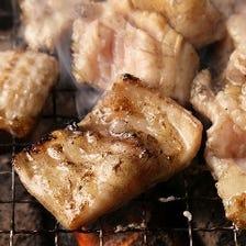 炭火で焼く韓国焼肉